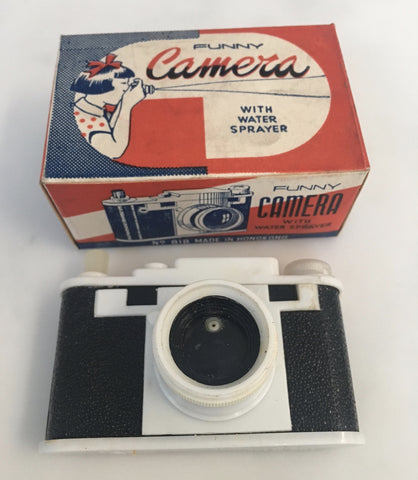 Vintage novelty water squirting camera - Accessories Of Old