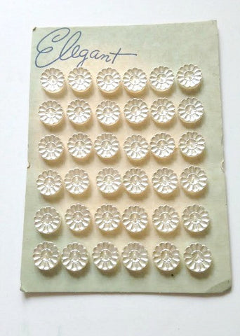 Pearlised glass carved buttons - Accessories Of Old