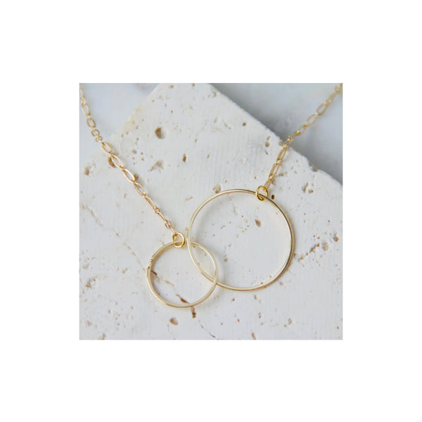 Interlocking Golden Circles Necklace