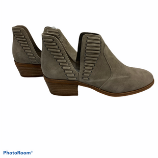 Primary Photo - BRAND: VINCE CAMUTO STYLE: BOOTS ANKLE COLOR: GREY SIZE: 8 SKU: 311-31111-31590