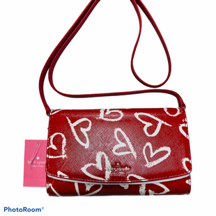 Primary Photo - BRAND: KATE SPADE STYLE: HANDBAG DESIGNER COLOR: RED WHITE SIZE: SMALL OTHER INFO: LAUREL WAY ADDISON HEART SKU: 311-31111-39946
