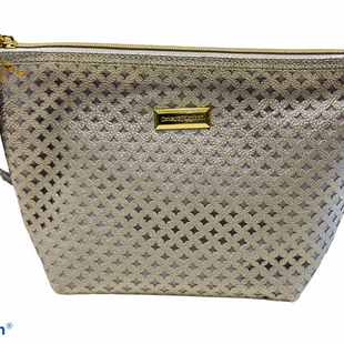 Primary Photo - BRAND: CATHERINE MALANDRINO STYLE: MAKEUP BAG COLOR: SILVER OTHER INFO: MEDIUM SKU: 311-31120-15803
