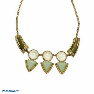 Primary Photo - BRAND:    CLOTHES MENTOR STYLE:  CM LABEL COLOR: MINT OTHER INFO: GOLD AND GREEN NECKLACE - SKU: 311-31130-981