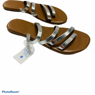 Primary Photo - BRAND: TIME AND TRU STYLE: SANDALS FLAT COLOR: SILVER SIZE: 6 SKU: 311-31120-15725