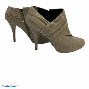 Primary Photo - BRAND: GUESS STYLE: BOOTS ANKLE COLOR: TAUPE SIZE: 10 SKU: 311-31114-5478