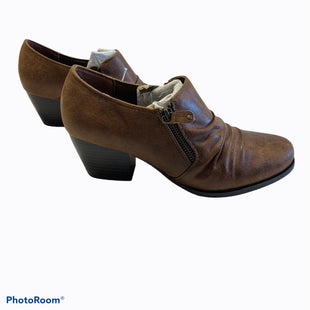 Primary Photo - BRAND: FALLS CREEK STYLE: SHOES LOW HEEL COLOR: BROWN SIZE: 10 SKU: 311-31116-1581