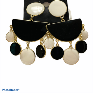 Primary Photo - BRAND:    CLOTHES MENTOR STYLE: EARRINGS COLOR: BLACK WHITE OTHER INFO: SUGARFIX - SKU: 311-31116-2878