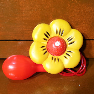 Clown's squirting flower