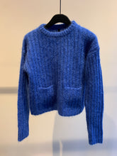 Load image into Gallery viewer, Sara Lanzi cropped pocket sweater (blue)