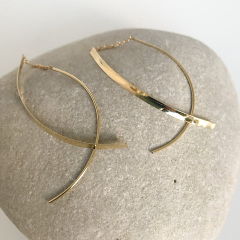 18k Gold Hammered Threads Long