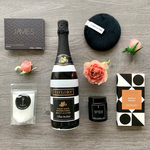 Champagne and Pamper Gift