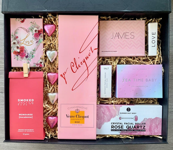 Love And Relaxation Veuve Rose Pamper Hamper