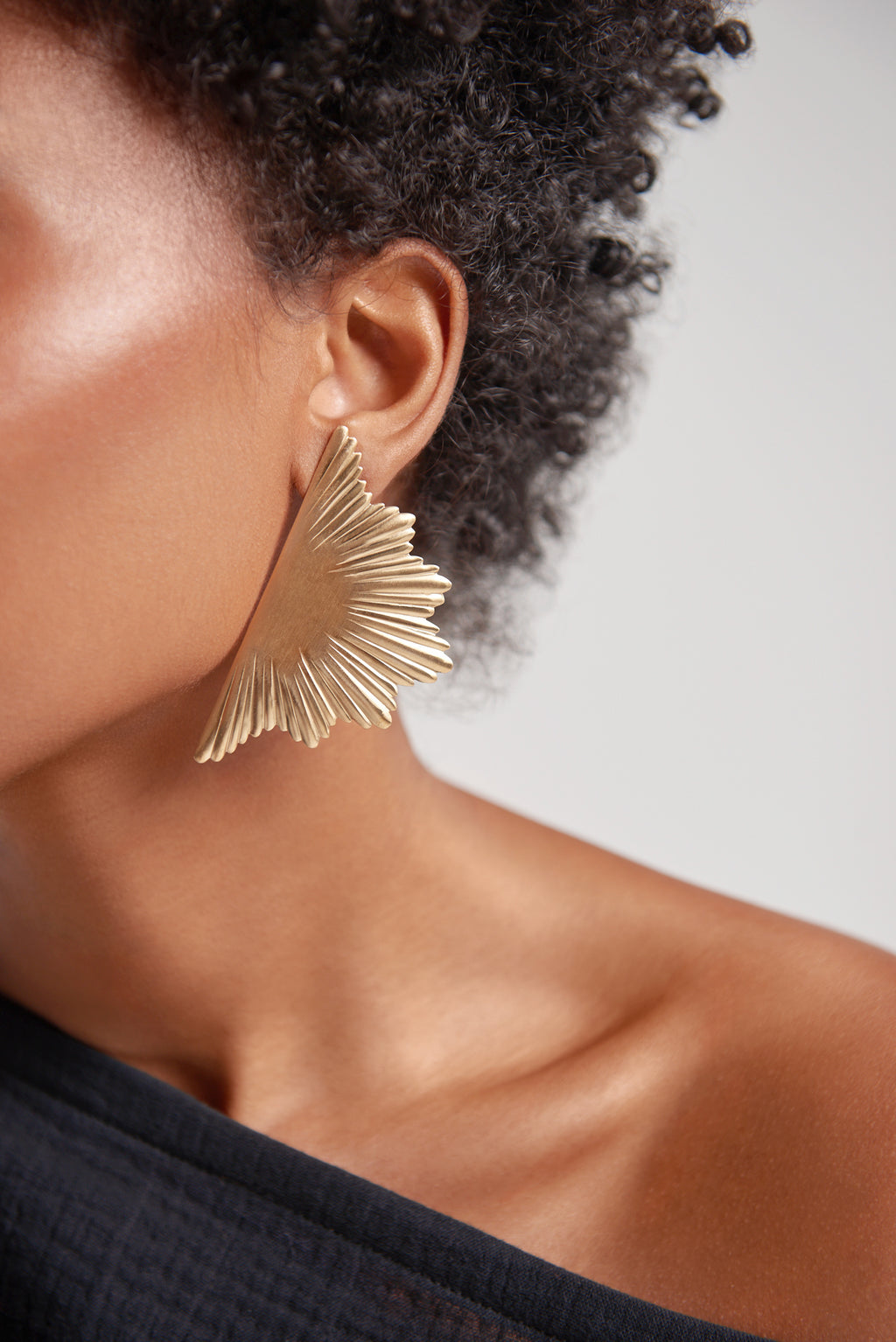 Sanctuaire-We-Dream-In-Colour-gold-earrings