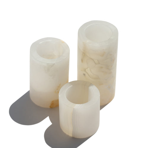 WHITE ONYX MEDIUM ROUND CANDLE HOLDER