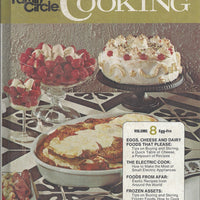 The Family Circle Pies and Cakes Cookbook   Hardcover (1978)