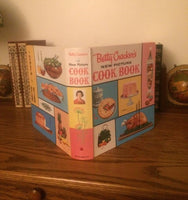Betty Crocker's New Picture Cook Book 1961 Five Ring Binder