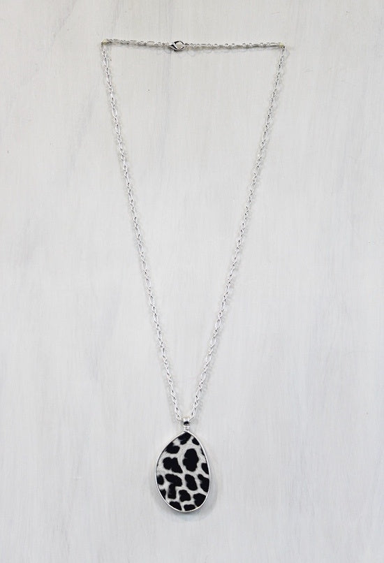 Leopard Print Pendant Necklace - Simply Special Invercargill