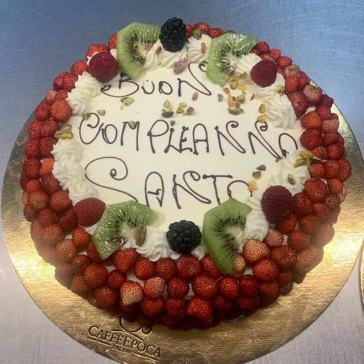 Torta in Pasticceria Fragoline e Crema Chantilly