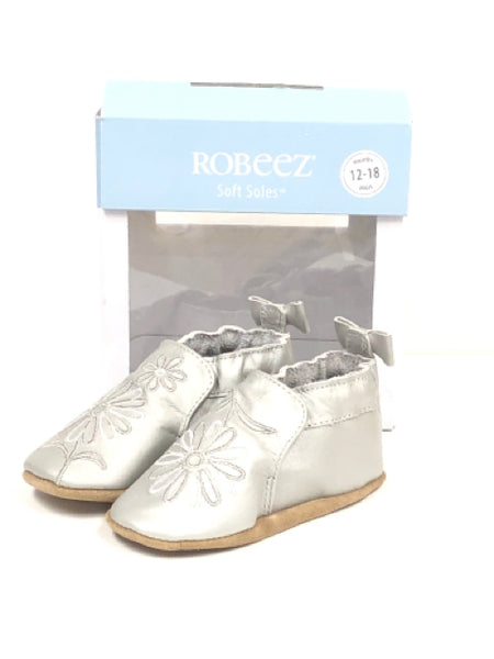 Girl's Robeez SIZE 4 Silver Leather Shoes