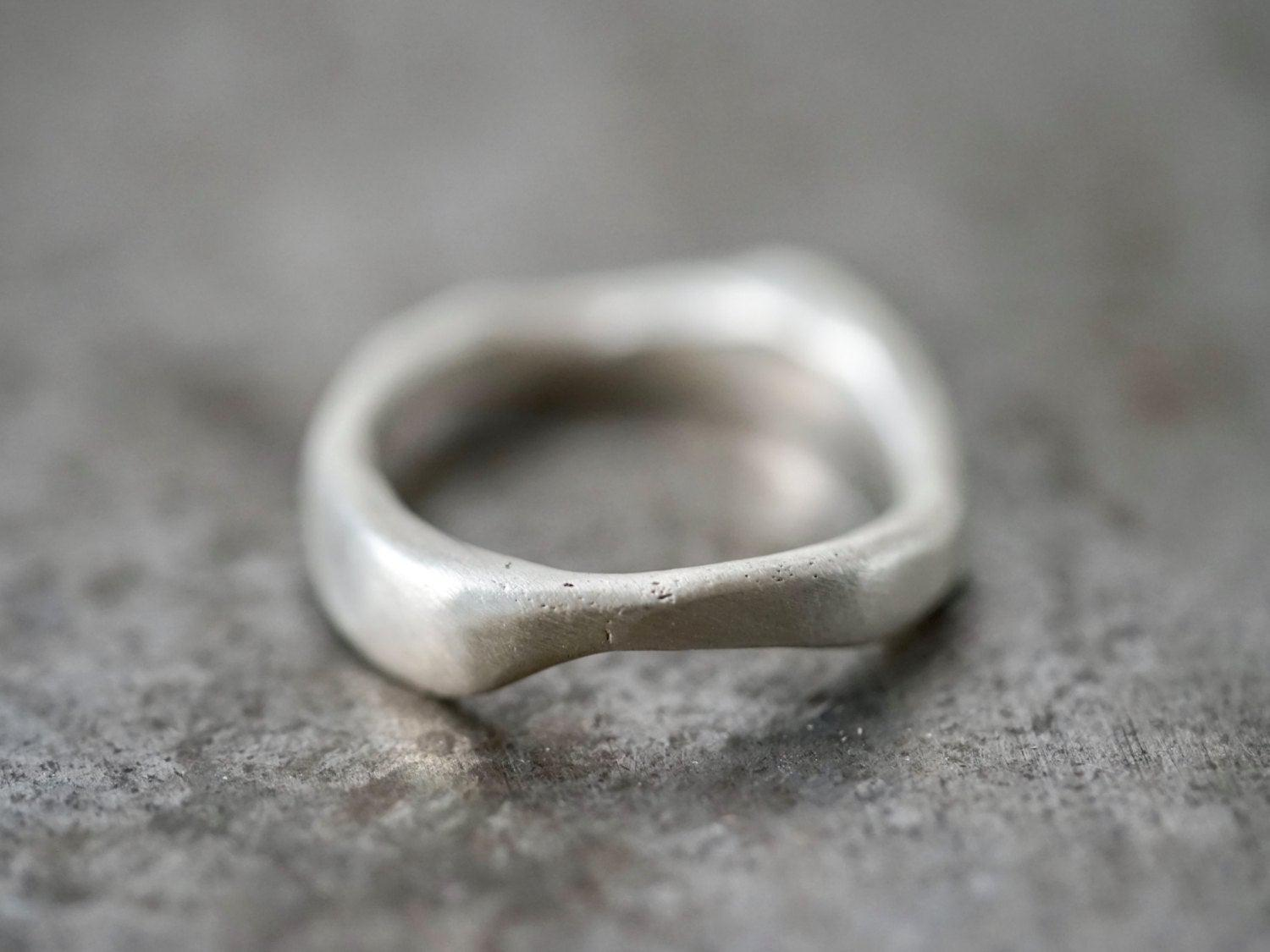 Organic flowing sterling silver ring, size 7.75