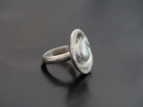 Freshwater pearl and sterling silver statement ring, size 6.25