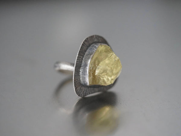 Lemon quartz statement ring size 6