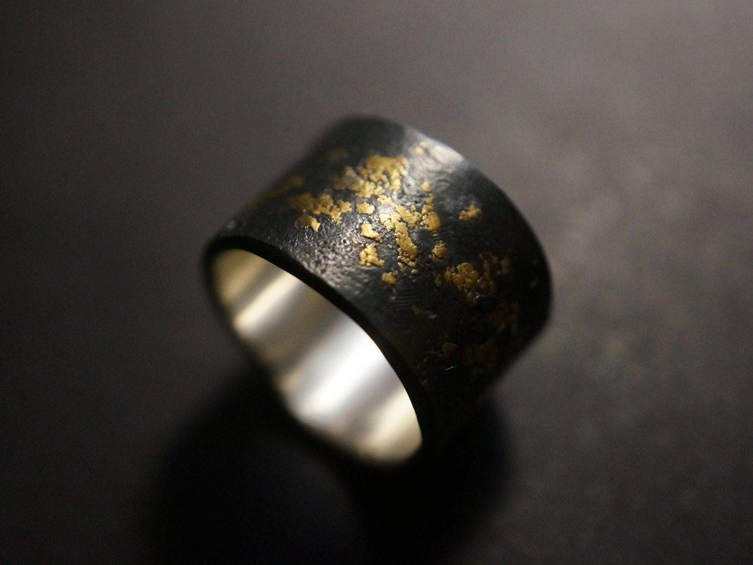 Gold on Black Ring, size 6.5