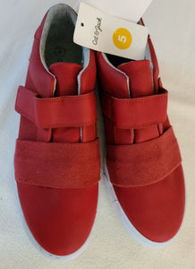*NWT* CAT & JACK canvas sneakers, Big Boys Size 5