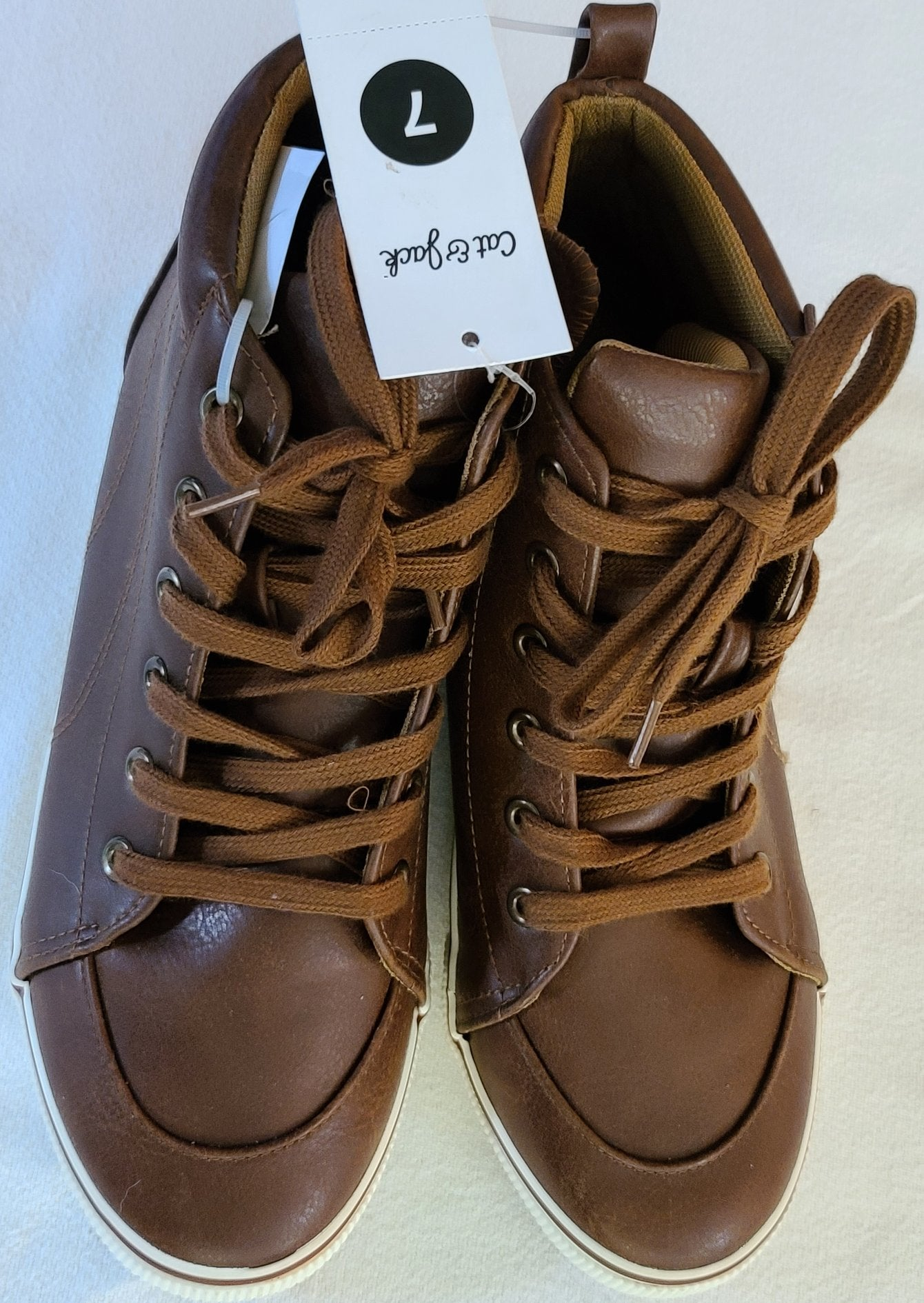 *NWT* CAT & JACK casual high top shoes, Big Boys Size 7