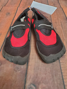 NEWTZ 11/12 black & red water shoes