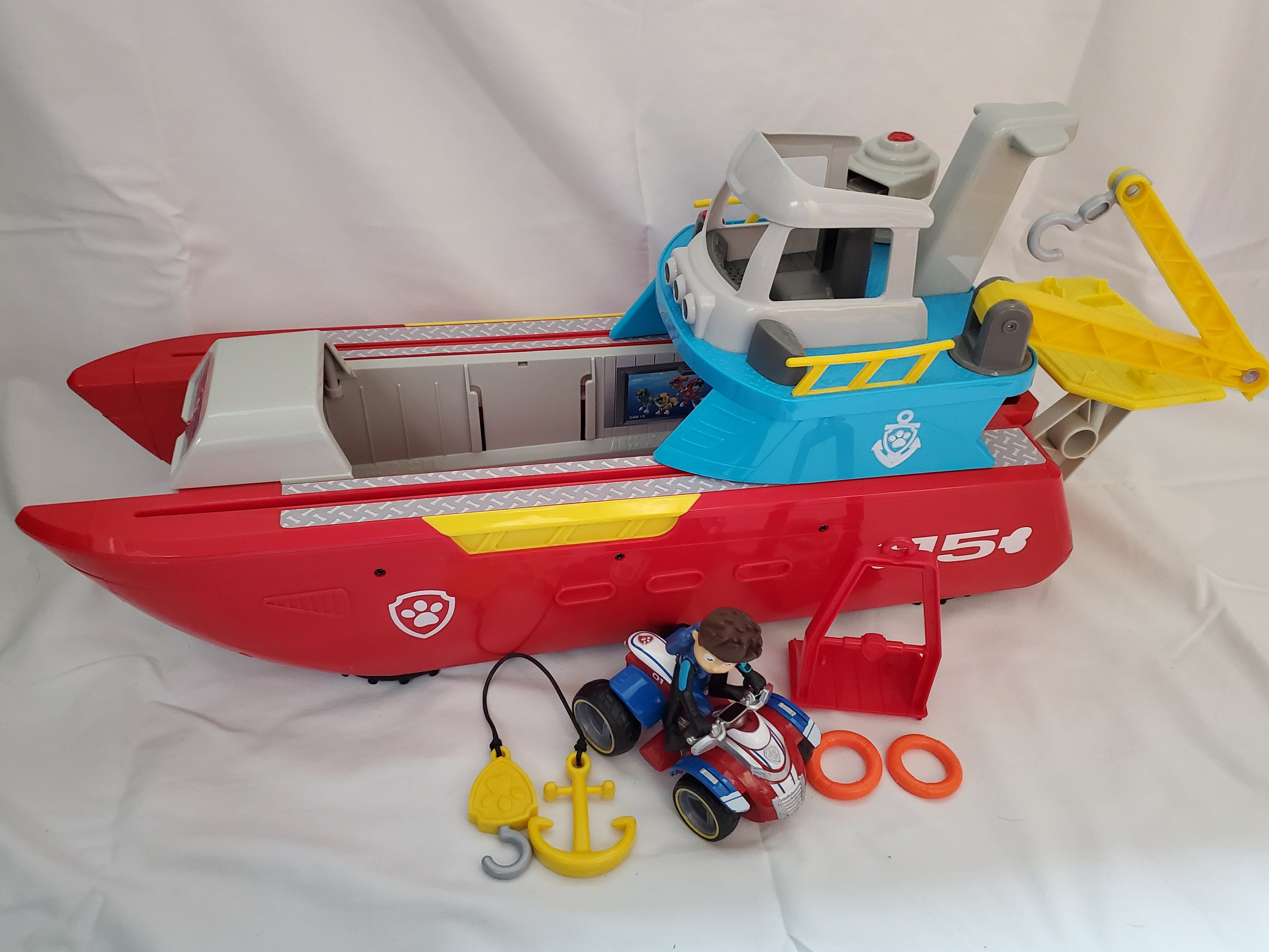 PAW Patrol sea patrol transforming vehicle with lights and sounds