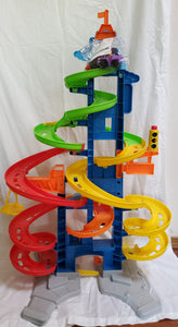 LITTLE PEOPLE race tower with 3 cars