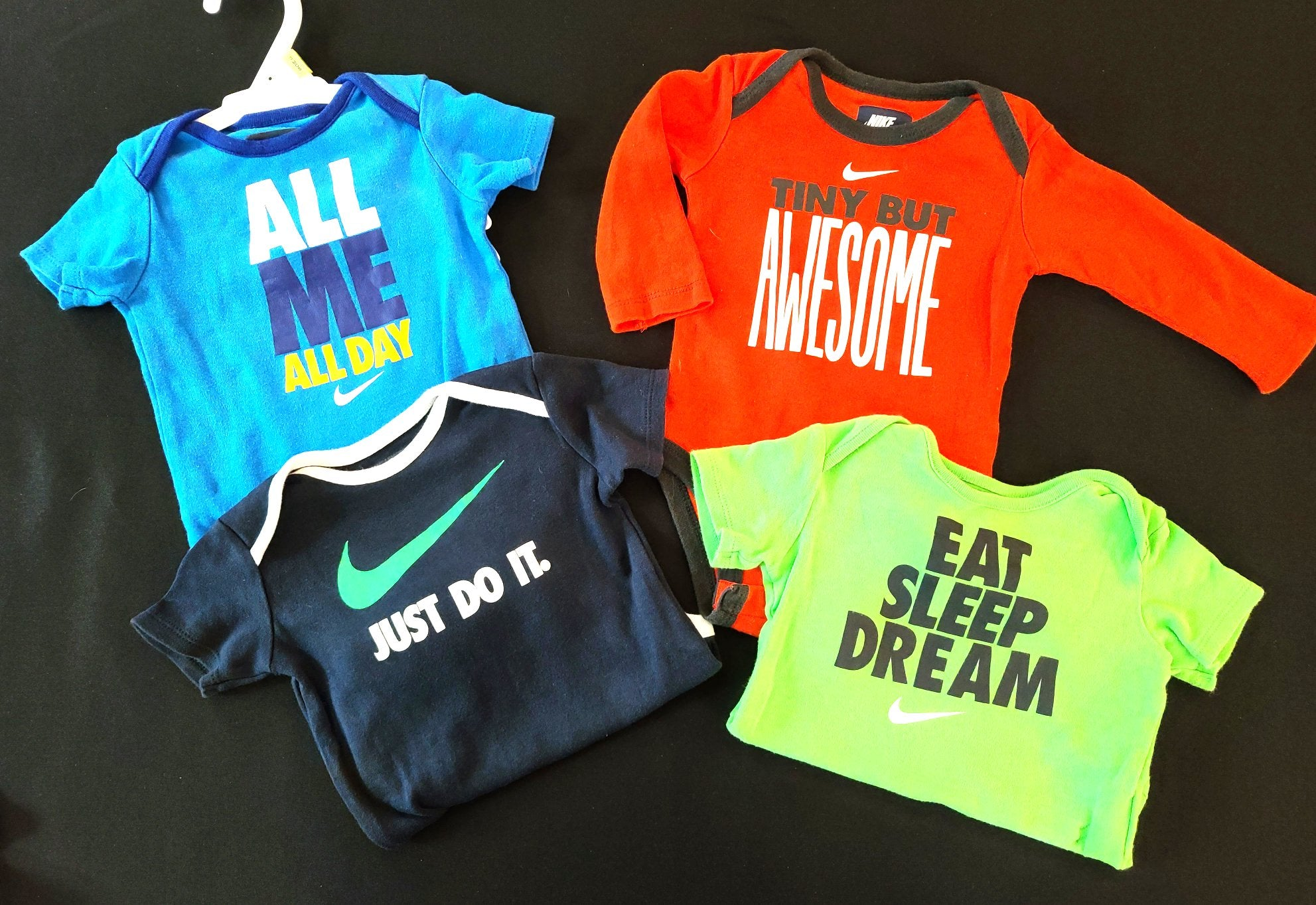 NIKE 4 pc bundle - 3 short sleeve bodysuits & 1 long sleeve; Boys 3-6m