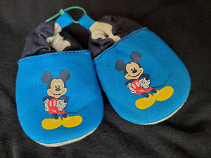 6-12m Blue mickey soft shoes