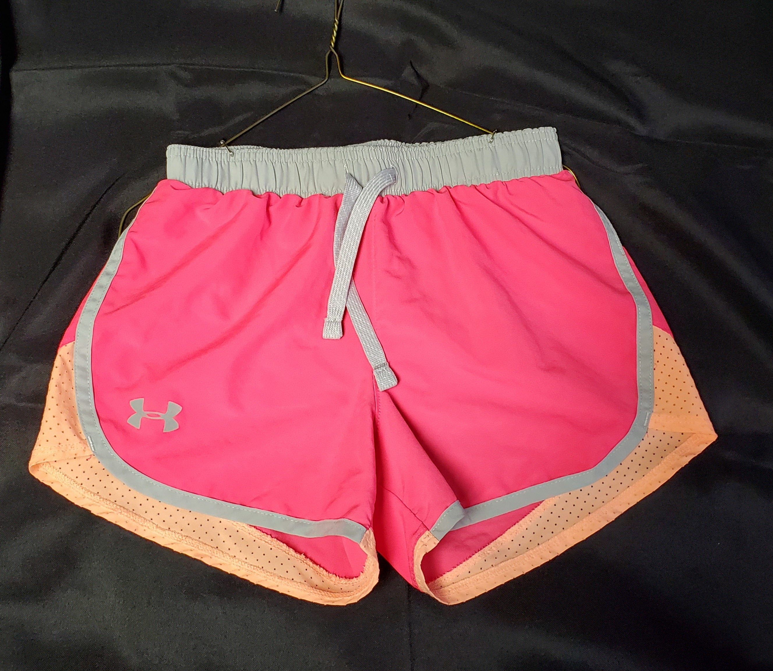 Under Armour Athletic Shorts Girls 7/8