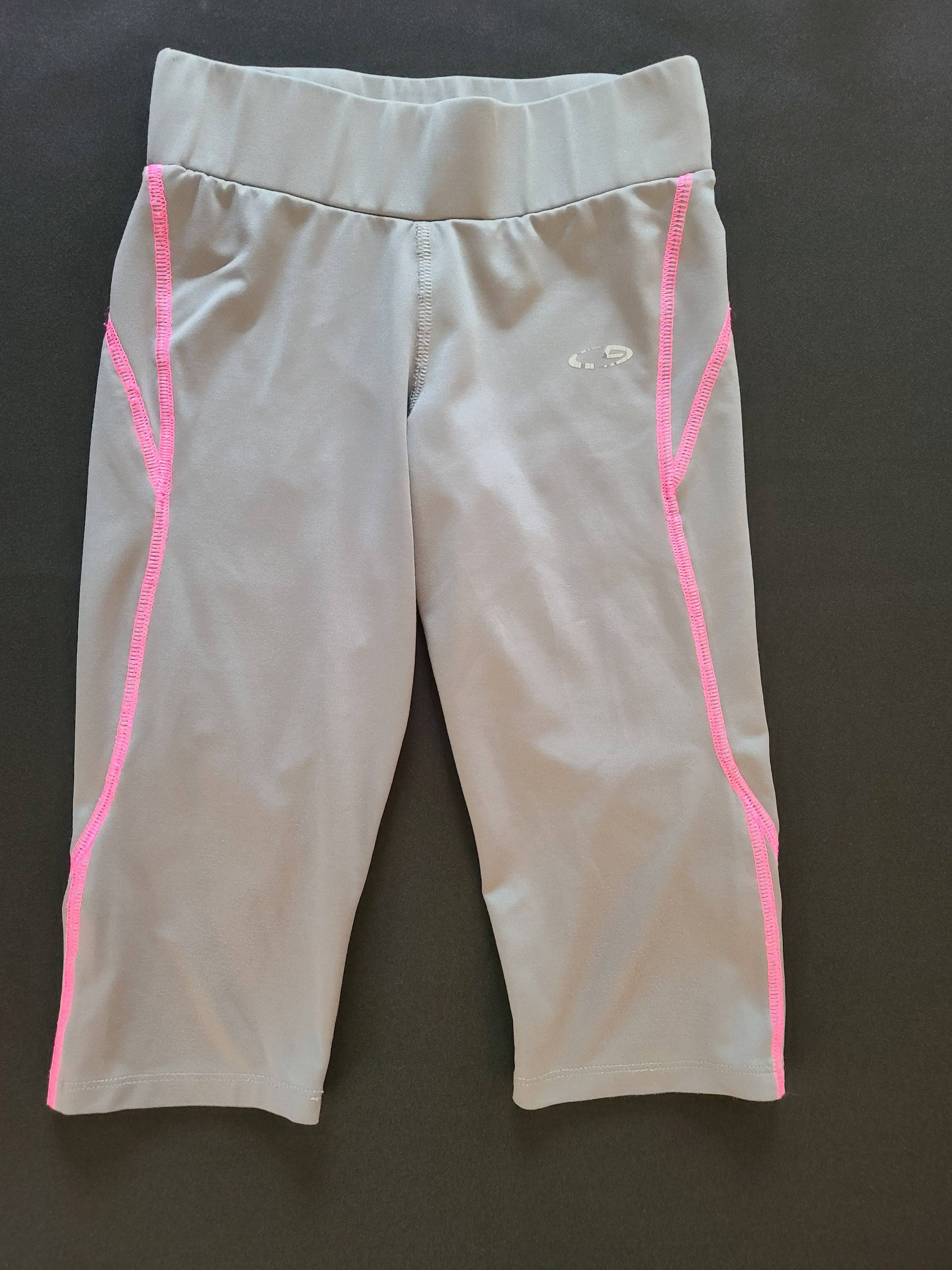 CHAMPION 2 pc set - long sleeve pull-over & capris pants; Girls 8