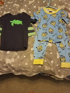 Boys 5t 2 pairs of PJS - minion and turtle