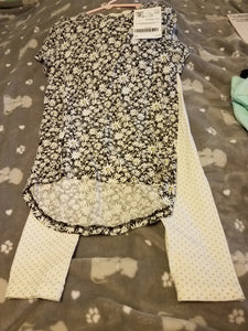 Daisy top with gold dot Crazy 8 leggings SIZE 7/8