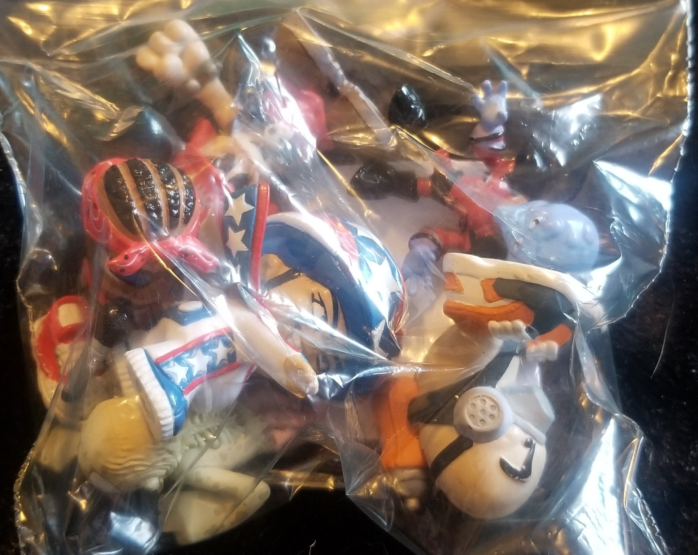 Bag of randome figures2
