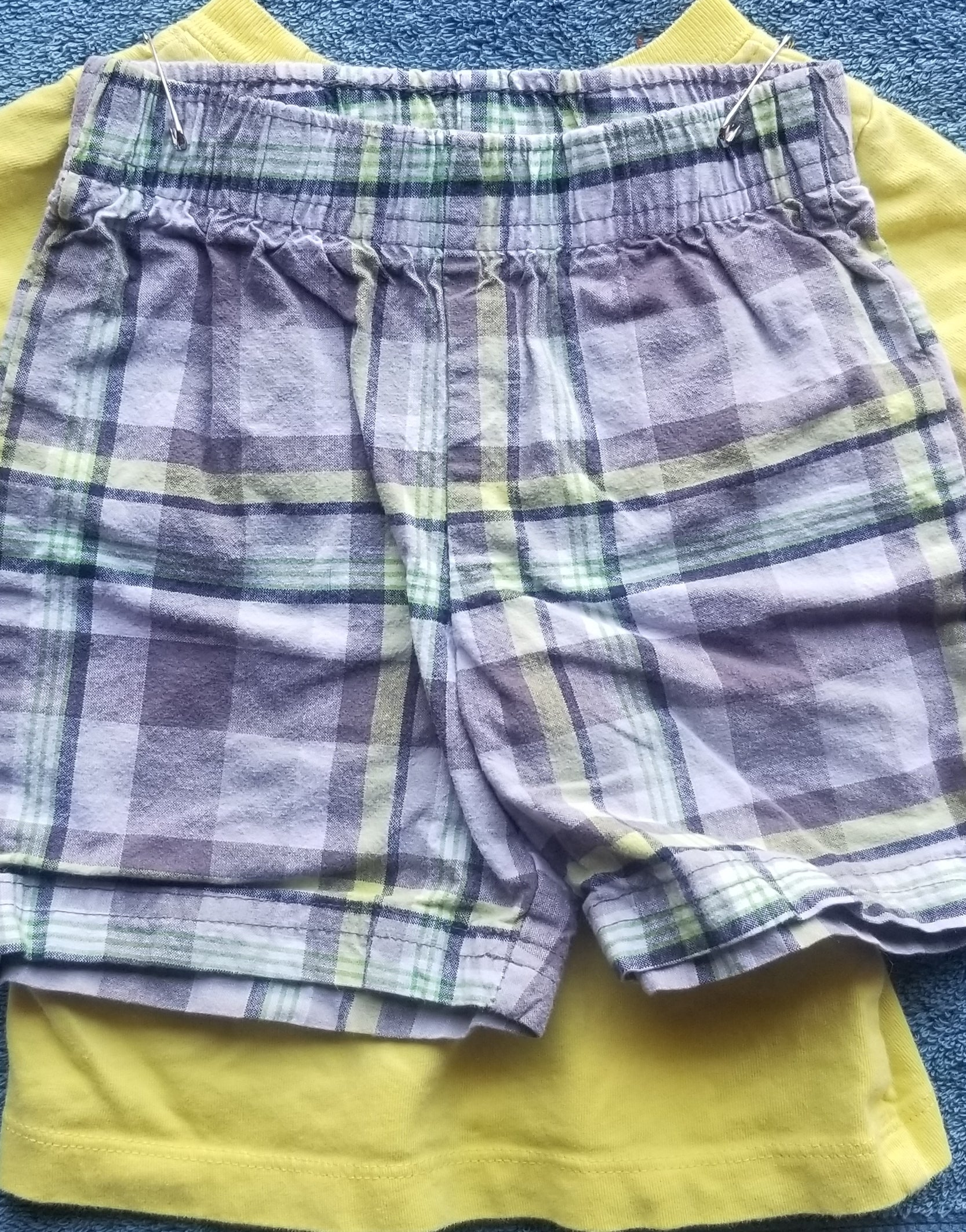 CARTERS 2PC outfit yellow short sleeve tee & grey/green/yellow plaid shorts boys 12m