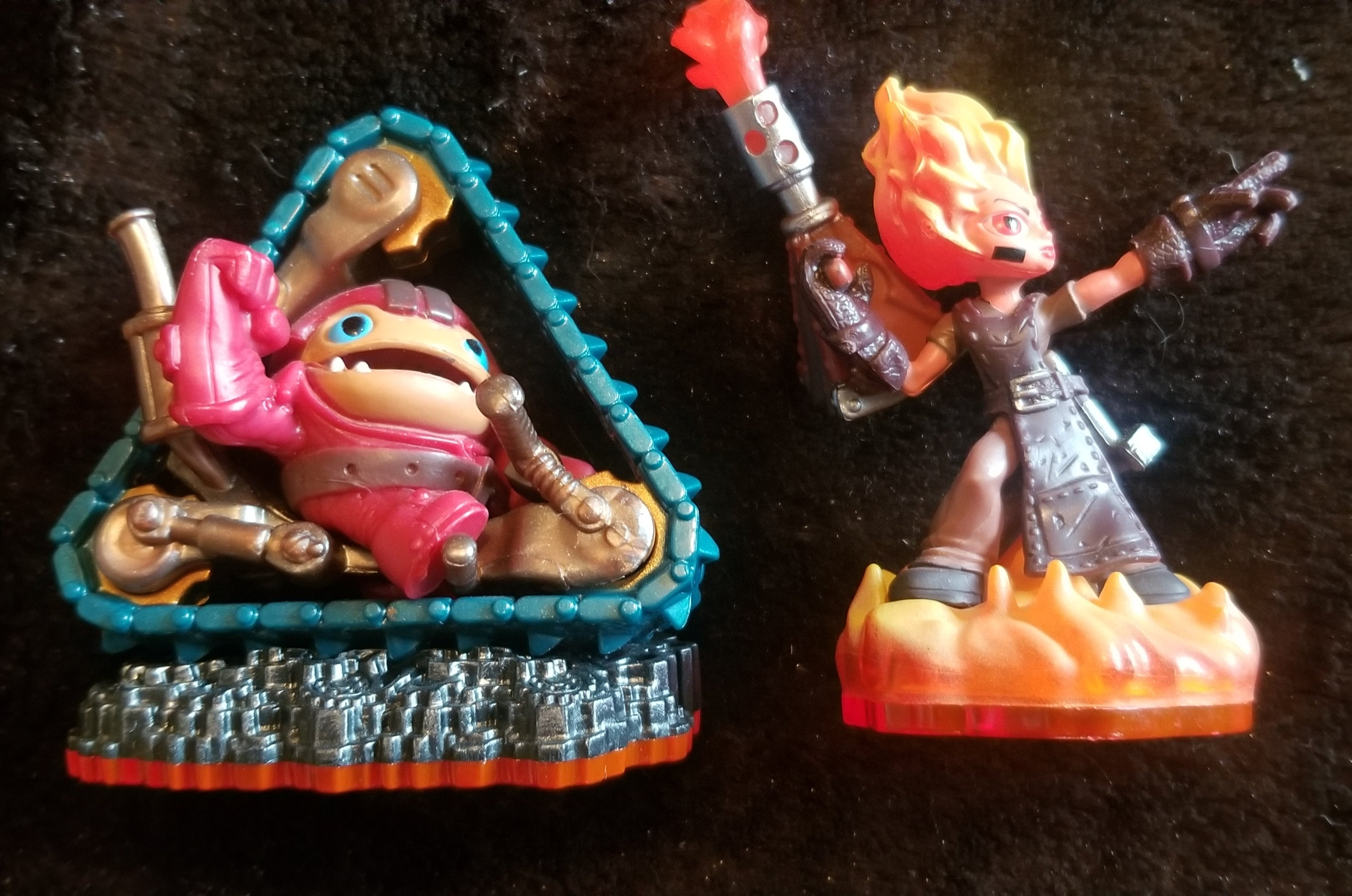 SKYLANDERS TRAP TEAM 2PK: Treadhead & Torch