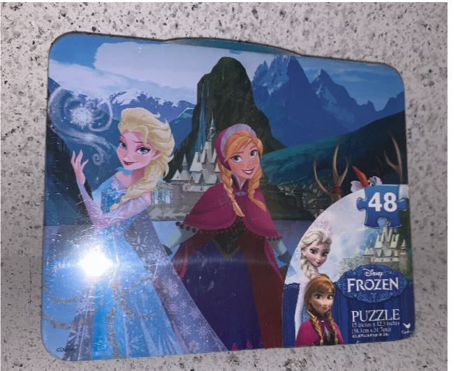 Disney - Frozen Lunch Tin w/ 48 Piece Puzzle - NEW!