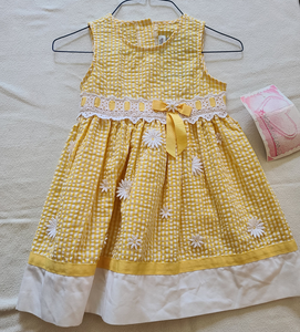*NWT* YOUNGLAND yellow daisy summer dress, Size 3T