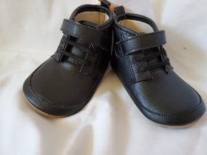 ROBEEZ SIZE 6-9M BOYS shoes