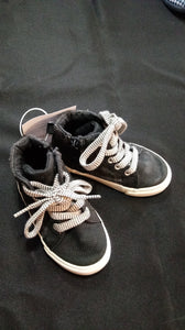OLD NAVY black zippered high top tennis shoes. Size Toddler 7