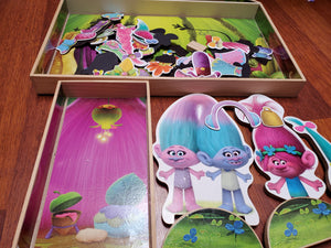 Trolls magnetic wooden play house