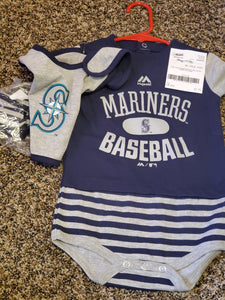 New 3 piece 18m Seattle Mariners baby set bib booties and onesie