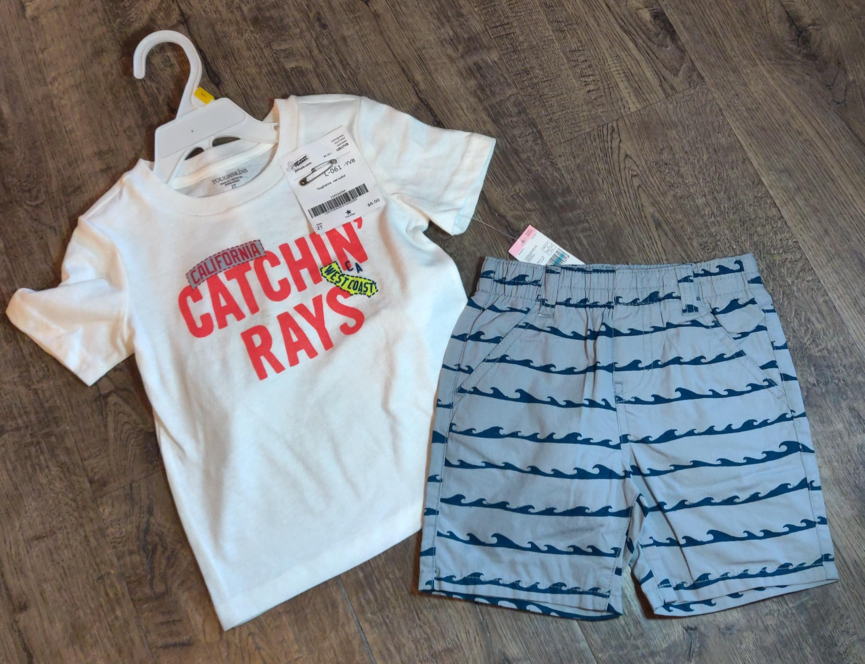 "TOUGHSKINS 2 pc outfit *NEW* ""catching rays"": 2t"