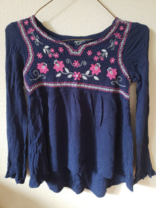 ARIZONA JEANS Size lg (14) blue longleve shirt with pink flowers