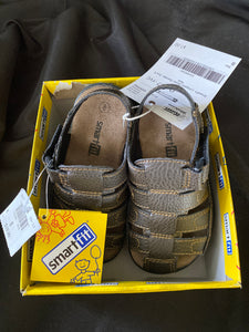 SMARTFIT Boys Livingston Brown Sandals NEW in Box. Size 8